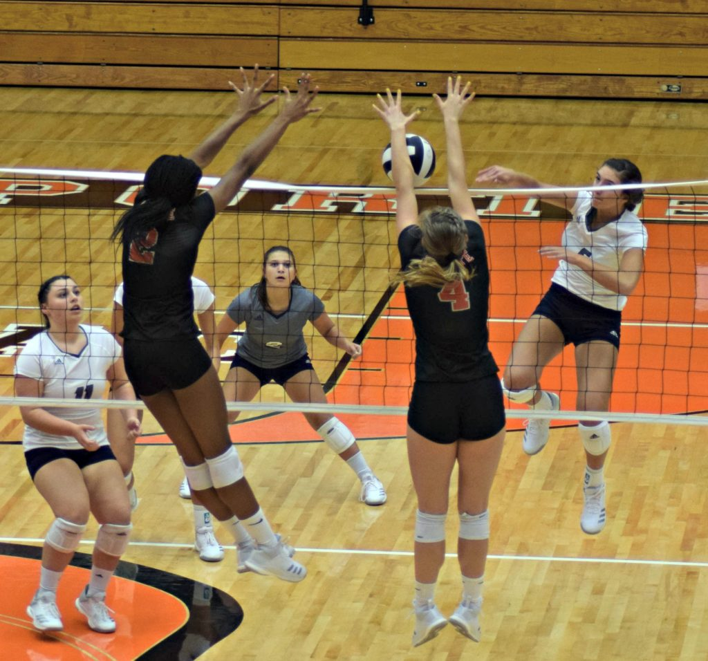 City Girls Volleyball Team Suffer First Loss of the Season Against Slicers